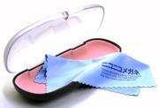 ニコニコメガネのメガネセットケース